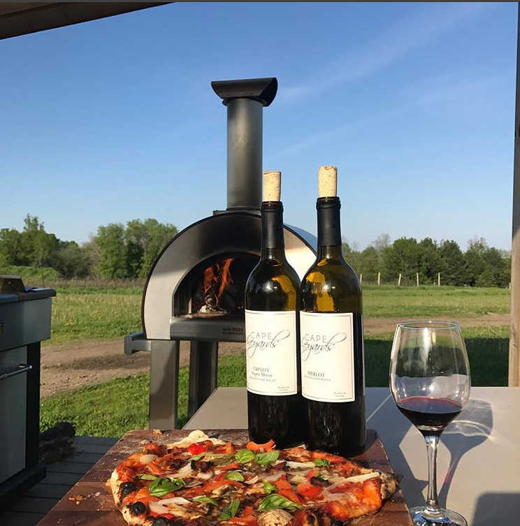 cape vineyards cressy patio wine pizza