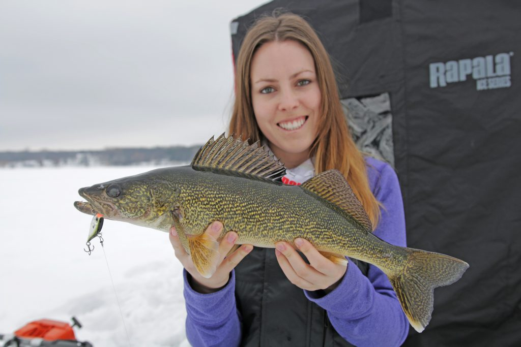 ice hut fishing bay of quinte rods walleye